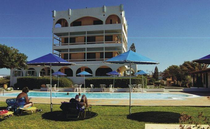 Хорошие семейные отели Крита. Tsagarakis Beach 3*