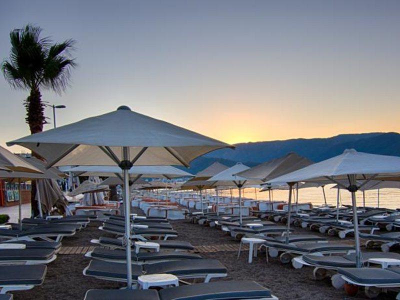 пляж отеля Romance Beach