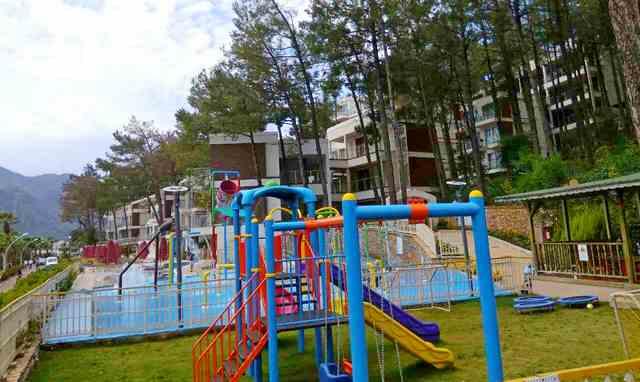 Сентидо Лотус бич детская площадка