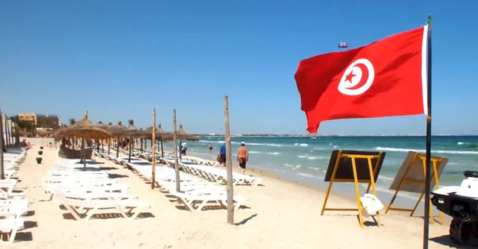 в Тунис в августе